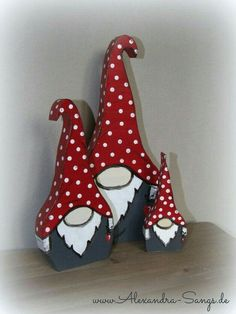 Wichtel aus Holz, Gnom, Zwerg, by Alexandra Sangs . Christmas Wood Crafts, Christmas Gnome, Christmas Art, Christmas Projects, Holiday Crafts, Christmas Decorations, Christmas Ornaments, Wooden Crafts, Diy And Crafts
