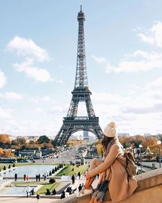 WEBSTA @ lovelypepa - Bonjour #lovelypepa #lovelypepatravels #paris #france #toureiffel #picoftheday