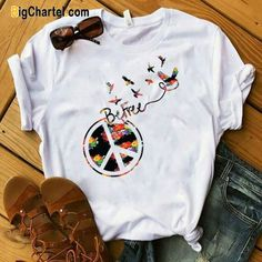 The Bigchartel Be Free Cute T-shirt Be Free Cute T-shirt Camiseta Be Be Cute Cute Tshirts, Cool T Shirts, Tee Shirts, Shirt Print Design, Shirt Designs, T-shirts Vintage, Paint Shirts, T Shirt Painting, T Shirt World