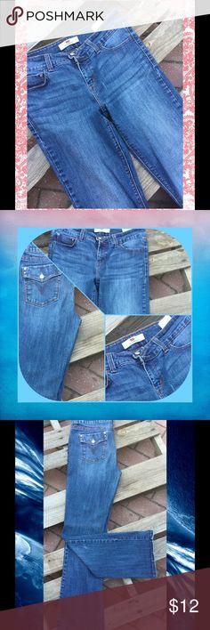 Host Pick 👖🎉Women's Levis 526 Slender Boot 30 in length...100% Cotton Levis Jeans Boot Cut