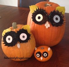 Make these Adorable Owl Pumpkins in just a few easy steps!    http://fabulesslyfrugal.com/2012/10/adorable-owl-pumpkins.html