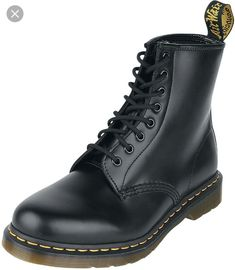 404d0afdf3b Dr. Martens - 8 eye - Union Jack | Gothic shoes and boots ( no. 9 ...