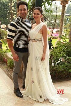 New Delhi: 'Veerey Ki Wedding' Press conference Pulkit Samrat, Kriti Kharbanda - Social News XYZ Party Wear Indian Dresses, Designer Party Wear Dresses, Indian Wedding Outfits, Indian Outfits, Indian Attire, Indian Bridal Fashion, Indian Fashion Dresses, Dress Indian Style, Indian Designer Outfits