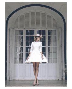 Sí sí y sí a las novias con vestido corto y canotier  { by @aortizphoto & @anaencabophoto}. #canotier #goodmorning #buenosdías #wedding #weddingday #boda #bride #bridetobe #bridal #onedaybridal #onedaybride #novia #groom #bridaldress #vestidodenovia #weddingdress #vintage #bohemia #bohemian #inlove #amazing #espectacular #beautiful #stunning #weddinginspiration #inspiration #love #like #picoftheday #siempremia