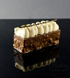 This coffee chocolate bar is adapted after Antonio Bachour and it's the creamiest, most delicious chocolate coffee dessert ever made! Chocolate Cake With Coffee, Café Chocolate, Chocolate Belga, Delicious Chocolate, Coffee Dessert, Coffee Cake, Food Cakes, Cake Recipes, Dessert Recipes
