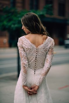 Corolina Herrera wedding dress | Steve Stanton  Photography | see more on: http://burnettsboards.com/2015/02/street-chic-wedding-dresses/
