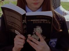 School Motivation, Study Motivation, Boarding School Aesthetic, Back To University, Private School Girl, You Are My Moon, Girlmore Girls, Stars Hollow, Rory Gilmore