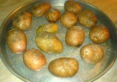 Retete Culinare Preparatedevis.ro: Cartofi copti Potato Recipes, Potatoes, Vegetables, Fruit, Food, Fine Dining, Potato, Essen, Vegetable Recipes