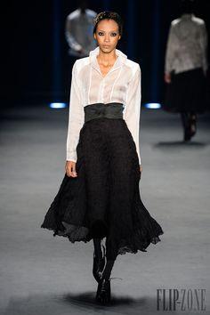 Lino Villaventura Fall-winter 2015-2016 - Ready-to-Wear - http://www.flip-zone.com/fashion/ready-to-wear/independant-designers/lino-villaventura-5259 - ©PixelFormula