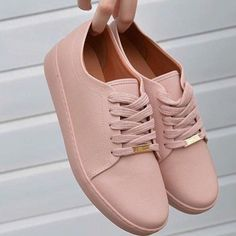 Strappy Flats, Slingback Flats, Trendy Shoes, Cute Shoes, Sneakers Fashion, Fashion Shoes, Moda Sneakers, Shoe Boots, Shoes Heels