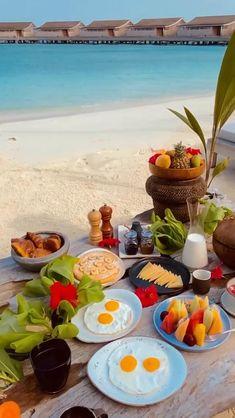 Beach Honeymoon Destinations, Vacation Places, Vacation Trips, Dream Vacations, Italy Destinations, Romantic Vacations, Italy Vacation, Romantic Travel, Beautiful Photos Of Nature