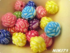 Flower Shaped Beads  #1372. Starting at $3ROOM OPENS FRI DEC 6 @ 7 PM EST –  Lots of New Goodies Tonight - Come join us!  http://tophatter.com/auctions/36439