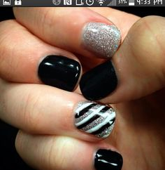 40 easy amazing nail designs for short nails – nail art ideas 2018 Fancy Nails, Trendy Nails, Pink Nails, Black Nails, Fancy Nail Art, Black Glitter, White Nails, Do It Yourself Nails, How To Do Nails