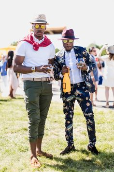 Cheers to chic! - Street Style at the Annual Veuve Clicquot Polo Classic Was On Another Level of Fly Memphis, Polo Classic, Veuve Clicquot, Classy Men, Classic Outfits, Classic Fashion, Fashion Black, Winter Fashion, Men Street