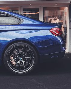 Always bring a shopping companion with great style. The #BMW #M4 CS. #BMWrepost @hlorenzophotography __________ BMW M4 CS – Fuel consumption (combined): 8.4* l/100 km; CO2 emissions (combined): 197* g/km. Further information about the official fuel consumption and the official specific CO2 emissions for new passenger automobiles can be found in the 'New Passenger Vehicle Fuel Consumption and CO2 Emission Guidelines', which are available free of charge at all sales outlets and from DAT…
