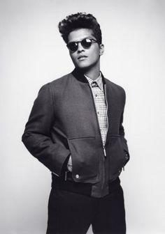 LOVE Bruno Mars. We need more music like his.