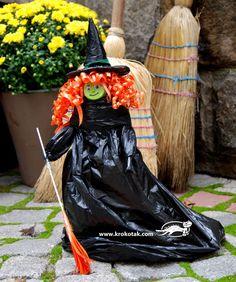 Вещица, направена от черни торби и една минерална вода:)