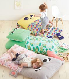 Diy Sewing Projects children's floor pillow - Are you a Mom or Grammy to toddlers? They'll be happy for nappy when you make them a doggie, frog or bunny children's floor pillow. Sewing For Kids, Baby Sewing, Free Sewing, Diy For Kids, Sewing Projects For Beginners, Sewing Tutorials, Sewing Crafts, Sewing Patterns, Sewing Tips