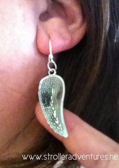 Make a cute pair of earrings easily!