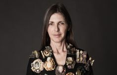 In Venice, Campo San Beneto, inside a Fortuny Museum showcase (till the 14th July) there are 25 brooches . They … Continued