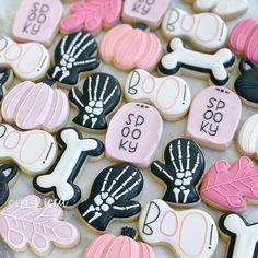 Fall Cookies, Spice Cookies, Cookies For Kids, Cut Out Cookies, Halloween Cookies Decorated, Halloween Desserts, Halloween Treats, Royal Icing Cookies, Sugar Cookies
