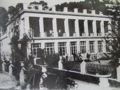 Dentro del bosque de eucaliptos plantados desde 1862, estaba el antiguo casco de la estancia de Martín Iraola, quien fuera el dueño de estas tierras hasta que se expropiaran para fundar La Plata.Esta casa estaba cerca de la actual ubicación del estadio de Gimnasia, y fue demolida a principios del siglo XX.