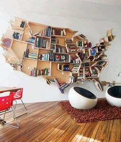 What a fun bookshelf.  Wouldn't this be a great way to teach the kids where the states are located?