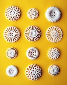 3D printed buttons. Designed by Femke Roefs and Leoni Werle.