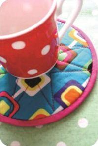 Reciclagem de Cd. Tutorial completo em http://efemera-ink.blogspot.com.br/2011/06/well-i-never.html