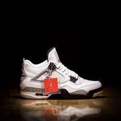 fe2719ed2608 Nike Air Jordan 4 Retro OG   White Cement   840606-192