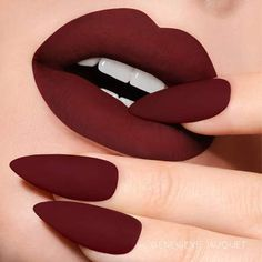 Oxblood Lipstick Oxblood is a shade that looks fabulous on every woman. It is a dark shade of red tinged with dark brown and purple undertones Picture Credit shades lipsticks collection lipsticks lipstick lipstick Lipstick Shades, Oxblood Nails, Liquid Lipstick, Makeup Kit, Lip Makeup, Beauty Makeup, Makeup Ideas, Glamour Makeup, Flawless Makeup