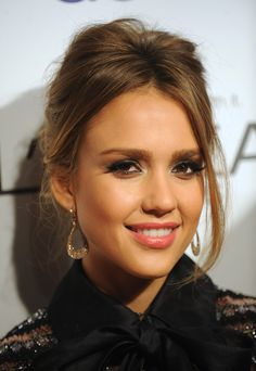 Jessica Alba - she totally inspires me. She is a great actress, awesome mom, great business owner. And she always looks impeccable.