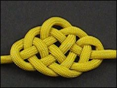 How to make a bumble bee knot (and lots of other decorative knots) with instruction video.