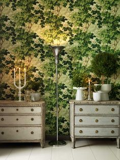 'Richmond Park' wallpaper by Zoffany Paste-the-wall product. Code 310061 Width 0.52m Roll length 10.05m Pattern repeat 0.61m £54 per roll from wallpapersdirect.co.uk