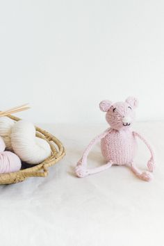 little mouse, from the book string along toys by susan b. anderson / adorable knitted mice, frogs, and monkeys / in quince & co. lark, color dogwood