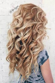 latest chic and curly hairstyles 2018 for teens Short and curly hair may appear rough to vogue however if you select a right haircut you will look extremely fashionable and classy at a similar time