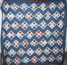Yesterday evening we had a quiltmeeting. I finished my basketquilttop. The patern is from Bonnie Blue Quilts and Block Base. Antique Quilts, Vintage Textiles, Vintage Quilts, Blue Quilts, Scrappy Quilts, Small Cross Stitch, Civil War Quilts, Medallion Quilt, Basket Quilt