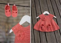Crocheted baby dress - free pattern (swed) ༺✿ƬⱤღ  http://www.pinterest.com/teretegui/✿༻