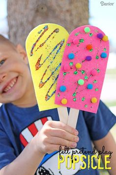 These quick & easy summer kids crafts can be made in under 30 minutes! No specia., DIY and Crafts, These quick & easy summer kids crafts can be made in under 30 minutes! No special skills are required, so ANYONE can make these cute summer crafts for. Creative Crafts, Fun Crafts, Diy And Crafts, Arts And Crafts For Kids Easy, Paper Plate Crafts For Kids, Quick Crafts, Homemade Crafts, Summer Crafts For Kids, Summer Kids
