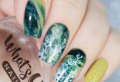 25 φανταστικά σχέδια για νύχια που πρέπει να δοκιμάσετε να κάνετε μόνες σας! Turquoise, Nails, Beauty, Finger Nails, Ongles, Green Turquoise, Beauty Illustration, Nail, Nail Manicure
