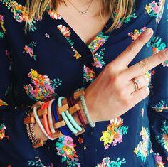 Jetzt gibt es die Armbänder auch bald im Online-Shop. Wir können uns irgendwie so gar nicht entscheiden ;-) #qualderwahl #woodenchock #armband #hamburgdesign #beautiful #instapic #colorful #summeredition #handmade #bracelet #newinstock #design #creative
