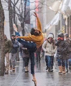 Photography Street Dance Freedom New Ideas Ballet Pictures, Dance Pictures, Dance Aesthetic, Memes Arte, Dance Photo Shoot, Dance Photography Poses, Street Dance Photography, Stephen James, James 5