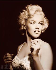 Random Marilyn Monroe pictures – 3