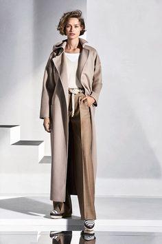 Sfilate Max Mara - Pre-collezioni Primavera Estate 2018 - Collezione - Vanity Fair