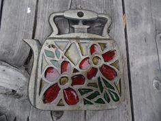 Trivet vintage cast iron trivet on legs made Taiwan teapot