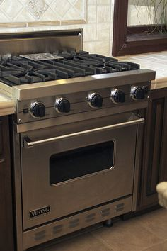 My Viking stove, online pic for reference Viking Appliances, Kitchen Appliances, New Kitchen, Kitchen Stuff, Kitchen Ideas, Viking Stove, Small Stove, Butler Pantry, Decoration