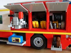 Contents of the left side compartements. Lego Ambulance, Lego City Police, Lego City Sets, Lego Sets, Lego Machines, Lego Truck, Lego Speed Champions, Lego Military, Lego Design