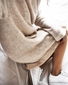 Entre cosyness et détails sportswear, ce look douillet a tout bon !