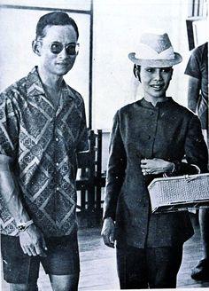 รวมพระบรมฉายาลักษณ์ ของ พระบาทสมเด็จพระปรมินทรมหาภูมิพลอดุลยเดช และ สมเด็จพระนางเจ้าสิริกิติ์ พระบรมราชินีนาถ King Bhumipol, King Rama 9, King Of Kings, King Queen, Thailand History, King Thailand, Queen Sirikit, Bhumibol Adulyadej, Great King
