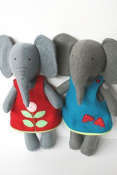 These would be so cute out of old felted sweaters hazelandcinnamon | Flickr - Photo Sharing!